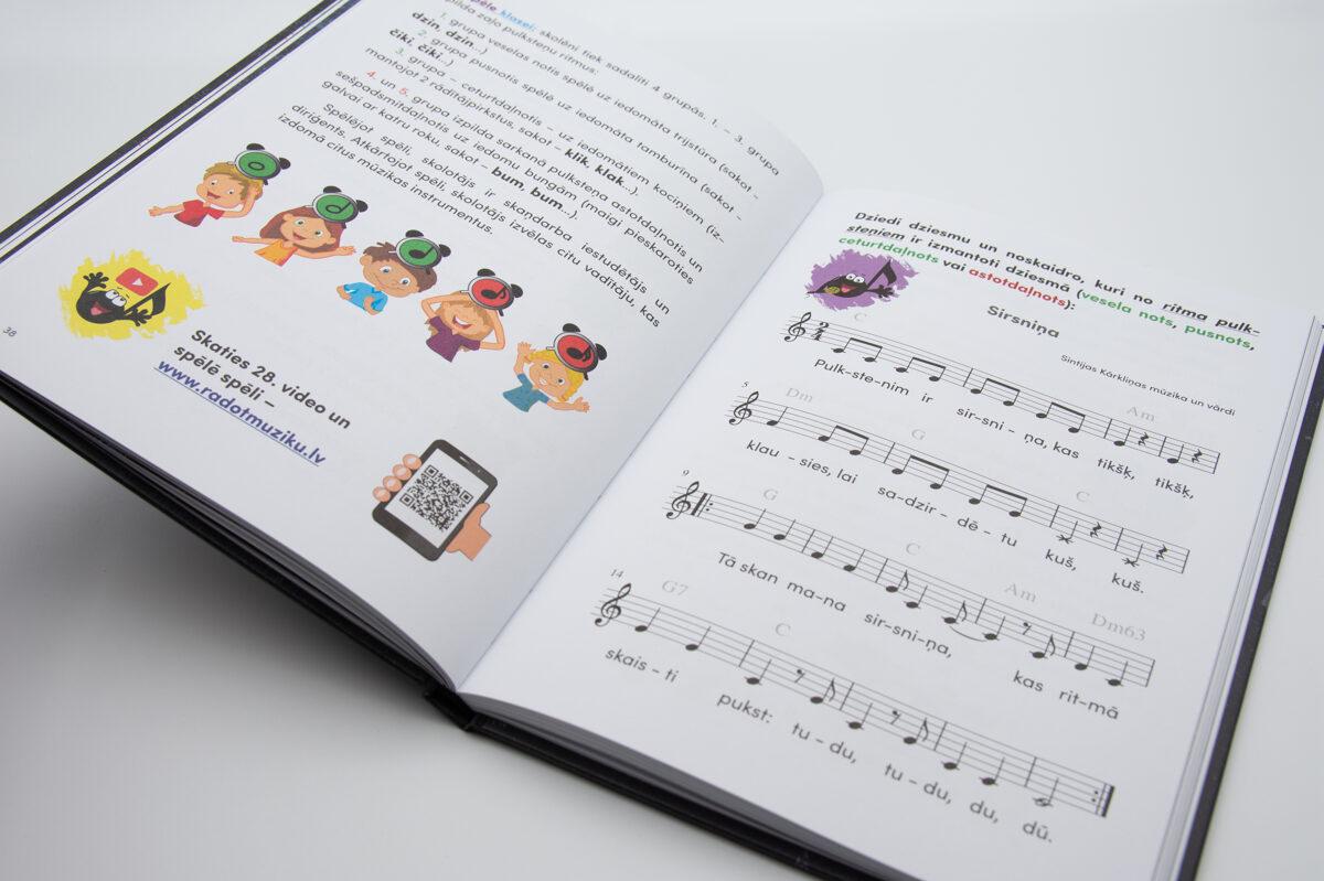 """Grāmata """"Radot mūziku"""""""